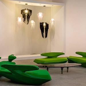 Die Aufhängungen von Zaha Hadid für Slamp – Protagonisten bei der Leila Heller Gallery in Dubai